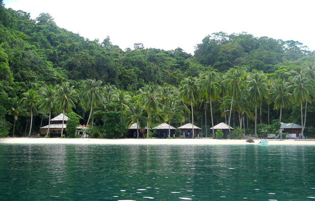 Triton Bay Divers resort